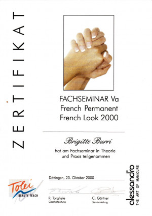 2000 - French Look; ?>